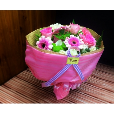 pink casual bouquet 900012